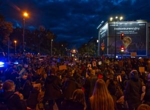 Strajk Kobiet - Kraków, październik 2020 | Andrzej Wodziński Fotografia